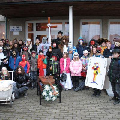 Karneval a pohovávanie basy v ZŠ  Obrázok 23