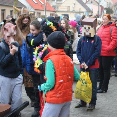 Karneval a pohovávanie basy v ZŠ  Obrázok 54