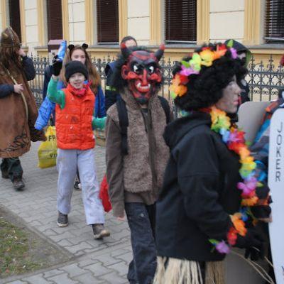 Karneval a pohovávanie basy v ZŠ  Obrázok 42