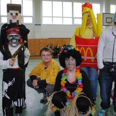 Karneval a pohovávanie basy v ZŠ  Obrázok 47