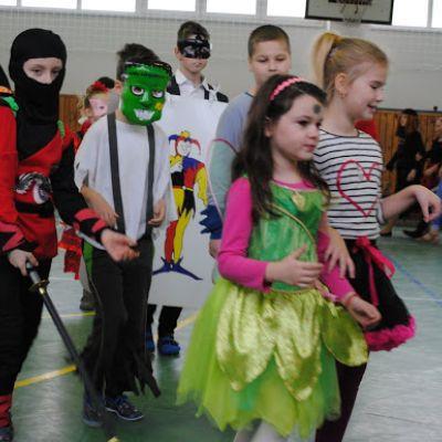 Karneval a pohovávanie basy v ZŠ  Obrázok 50