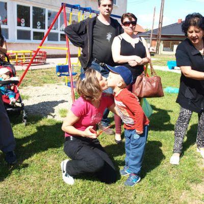 Opekačka detí v MŠ a program pre mamičku ku Dňu matiek  Obrázok 19