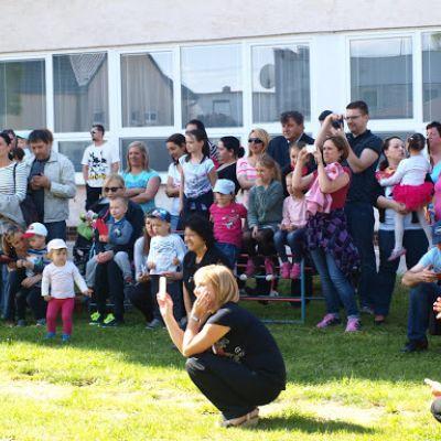 Opekačka detí v MŠ a program pre mamičku ku Dňu matiek  Obrázok 34