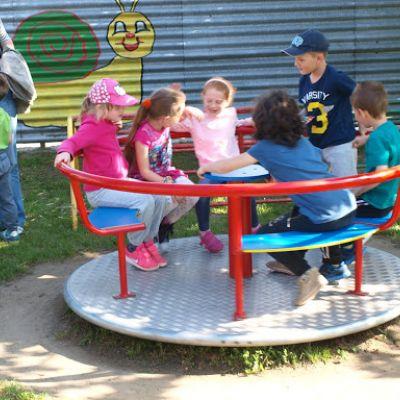 Opekačka detí v MŠ a program pre mamičku ku Dňu matiek  Obrázok 24