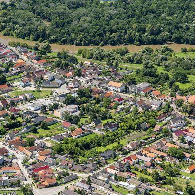 Letecké zábery obce Vysoká pri Morave